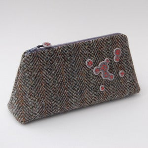 Image of Large herringbone Harris tweed case