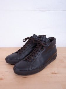Image of Common Projects - Achilles Mid Brown Trainers