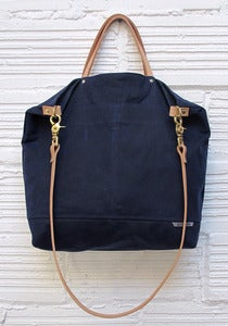 Image of REVERSIBLE BAG *navy & denim*