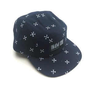 Image of IN4MATION SIGNATURE CROSSBONES 5 PANEL HAT (NVY/WHT)