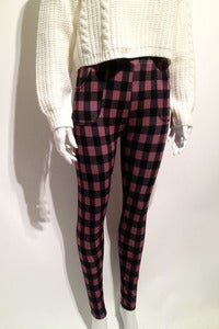 Image of high-waisted pink checked leggings with pockets