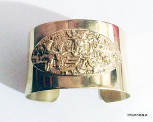 Image of THE SCENE CUFF