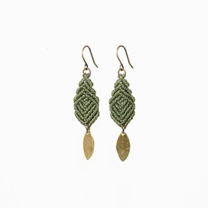 Image of Mini Leaves Earrings