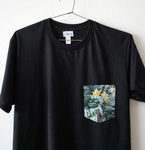 Image of TROPICAL POCKET TEE  (black)
