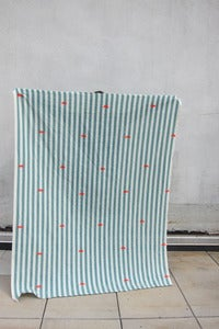 "Image of Linen Throw ""Happy Go Lucky"""