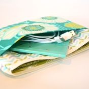 Image of e-reader case - pristine poppy in teal