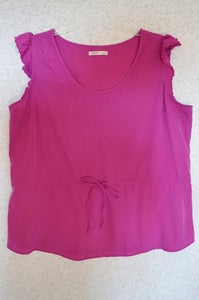 Image of Old Navy Flutter-Sleeve Blouse {Size XXL}