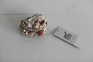 Image of 1950s souvenir shell heart box