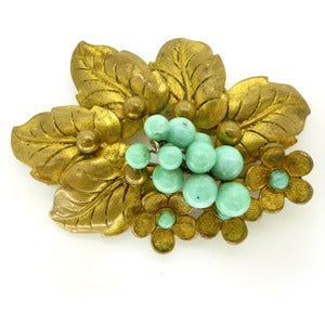Image of Vintae Deco Gold Tone Cluster Green Peking Glass Leaf Pin Brooch