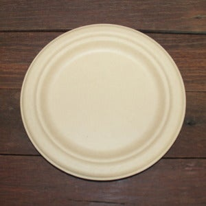 Image of 180mm Round Natural Bamboo Pulp Plates (small)