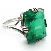 Image of Vintage Art Deco Green Glass Rectangle Cocktail Ring
