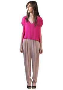 Image of FUCHSIA CROPPED V-NECK