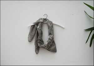 Image of zuma scarf grey