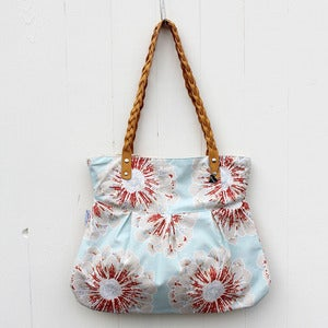 Image of Daily tote, paige, light blue