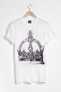 T-shirt design Crown - White